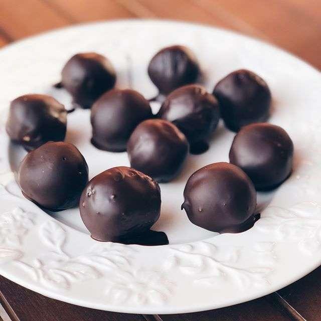 Для сладких женщин: постные конфеты к 8 Марта