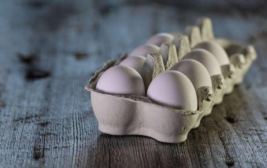 Попытка сварить яйцо в микроволновке обернулась для британки больницей