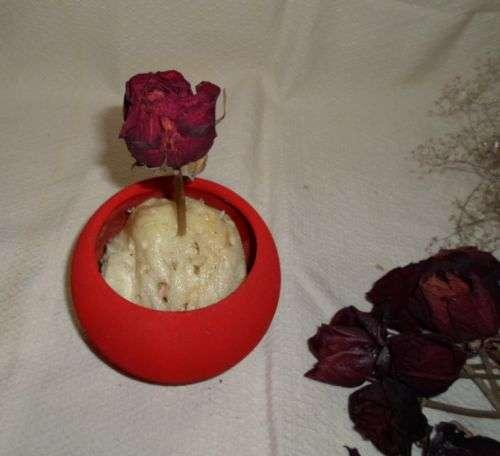 Флористична композиція із засушених троянд