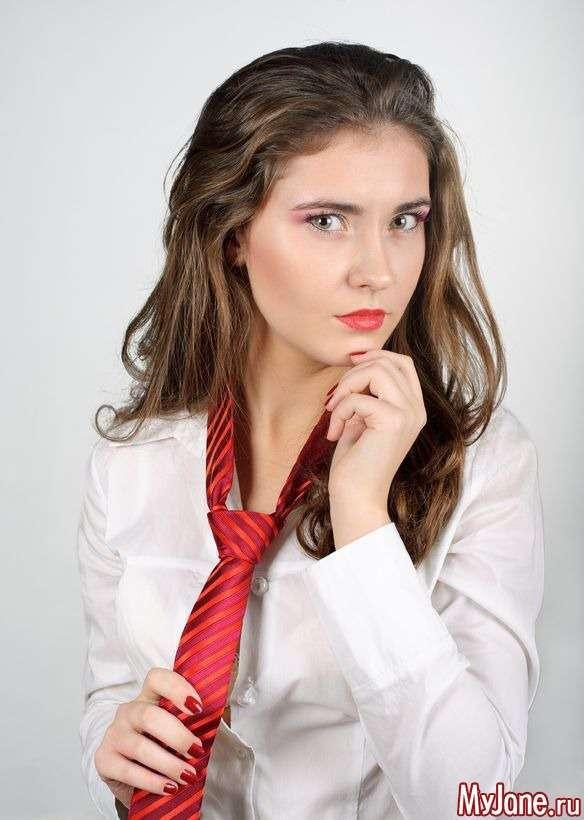Краватка в жіночому гардеробі