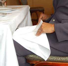 Особливості сервірування столу: як не потрапити в халепу?